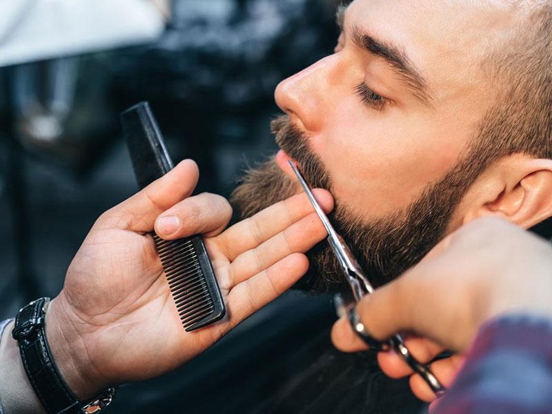 Come curare la barba con prodotti e strumenti adeguati