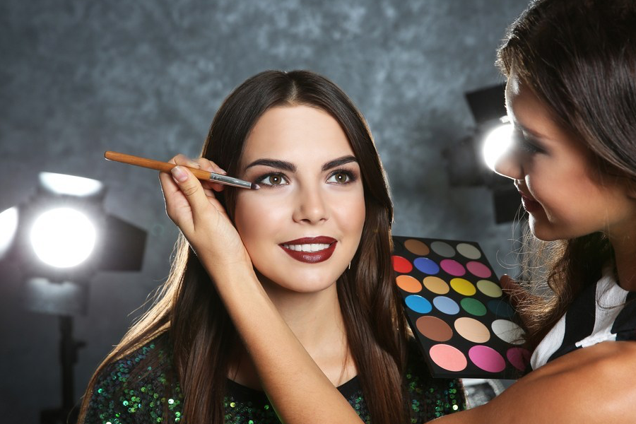Come risparmiare se sei un make-up artist