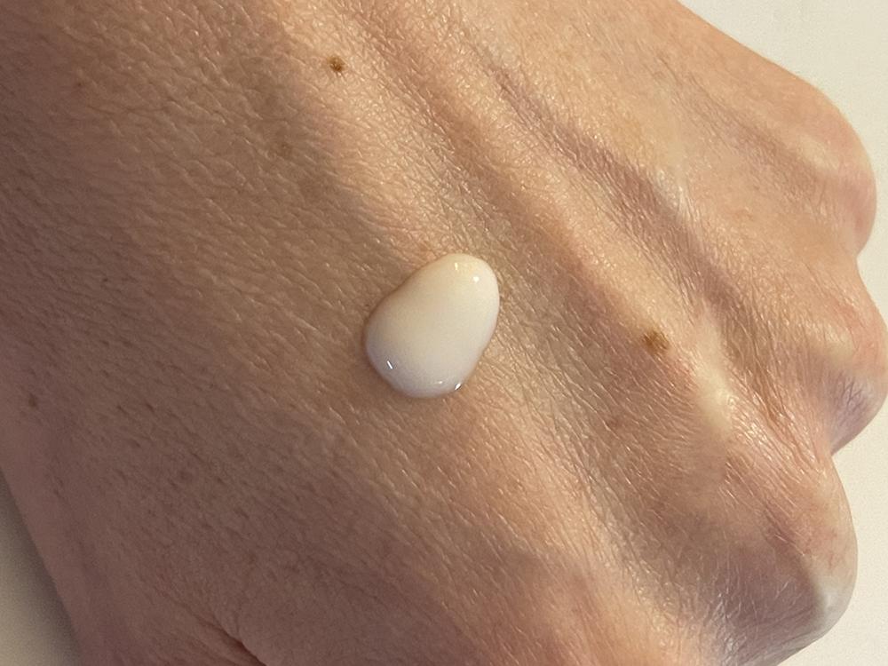 Q10 Serum Black Diamond Liolà Cosmetics Texture