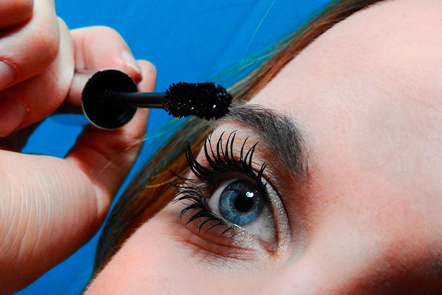 Regala(ti) un corso di make up online